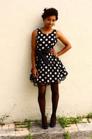 black polka dot f21 dress - black mary janes Nine West shoes