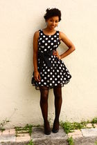 black f21 dress - black Nine West shoes - black Urban Outfitters stockings - whi