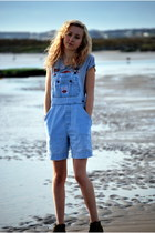 periwinkle Sweet n Sour t-shirt - sky blue dungarees Urban Outfitters romper