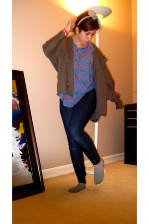 brown free people sweater - blue free people shirt - blue Joes Jeans jeans - gra