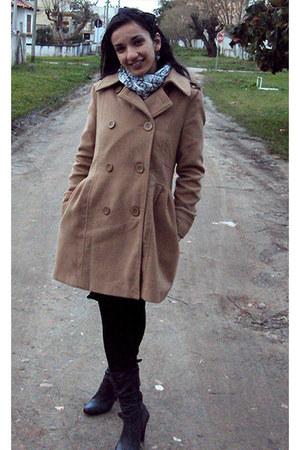 tan Just Be coat - black Cortelle boots - white Artesanal scarf