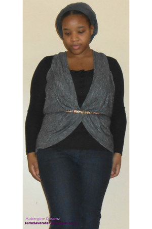 navy flare jeans - heather gray drape vest - black thermal top