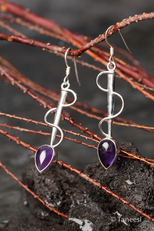 Taneesi earrings