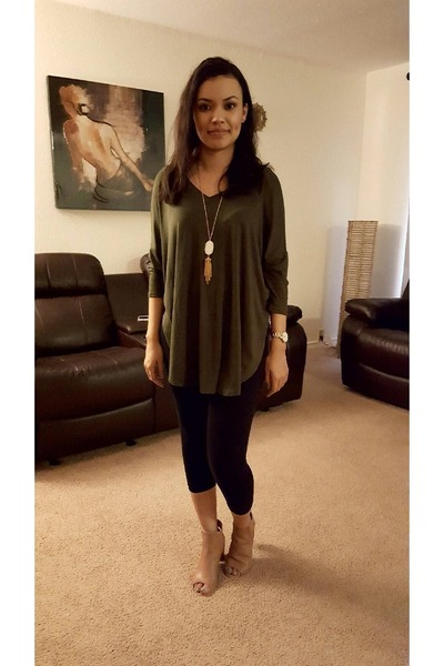 nude Steve Madden shoes - black Forever 21 leggings - white Accessorize necklace