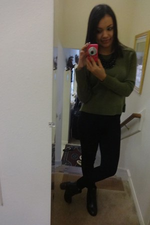 dark gray boots - olive green H&M sweater - dark gray necklace - dark gray pants