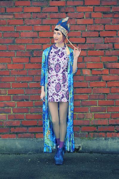 blue nz hand made Lunacoon hat - violet 1960s Kings Emporium Vintage dress
