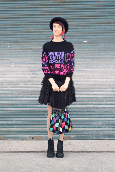 black vintage skirt - black boots - navy hat - hot pink bag