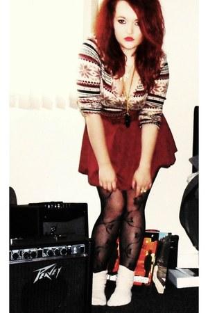 fairisle Miss Harvey jumper - burgundy Newlook skirt