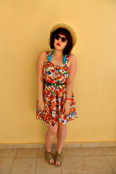 neutral straw new look hat - carrot orange floral Primark dress