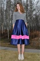 navy midi Tasha Delrae Boutique skirt - heather gray asos boots