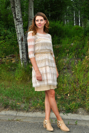 eggshell envy boots - gold H&M dress - cream lace eShakti dress