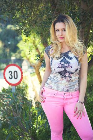 bubble gum neon pink jeans H&M jeans - heather gray t-shirt