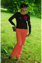 peach Max Mara jeans - army green Moschino cardigan