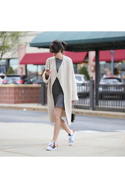 Club-monaco-dress-jimmy-choo-bag-adidas-sneakers-zara-cardigan