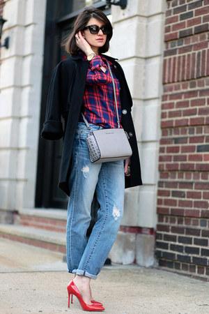 Gap shirt - Michael Kors bag - Ray Ban sunglasses - Miu Miu heels