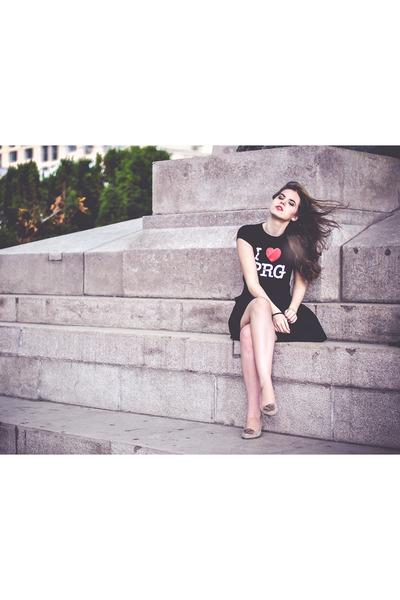 shoes - t-shirt - H&M skirt