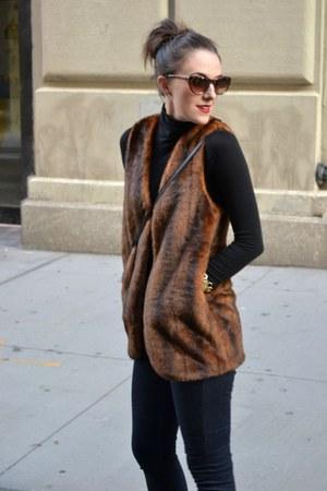 faux fur Forever 212 vest - stretchy demnim C Wonder jeans - cotton H&M top