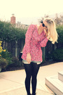 Pink-vintage-top-blue-levis-shorts-black-vintage-accessories-black-seychel