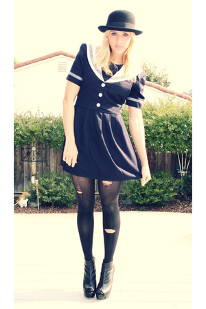 blue vintage dress - black Target accessories - black Bebe shoes
