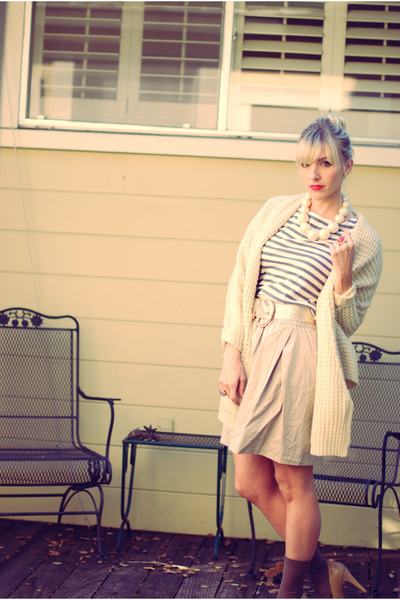 beige Jcrew skirt - gray Jcrew top - gold vintage belt - gray Jcrew socks - beig