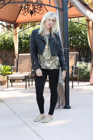 black brass plum jacket - gold top - black Joes Jeans pants - gold shoes