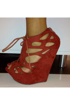 wedge Urge wedges