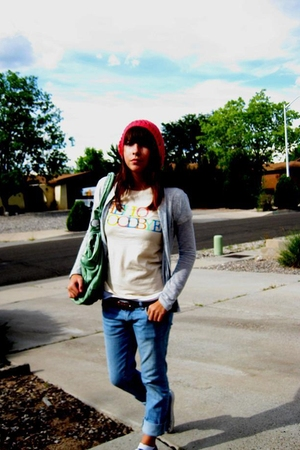 t-shirt - forever 21 jeans - Urban Outfitters purse - Urban Outfitters - Urban O