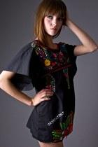 Black Telltale Hearts Vintage Blouses