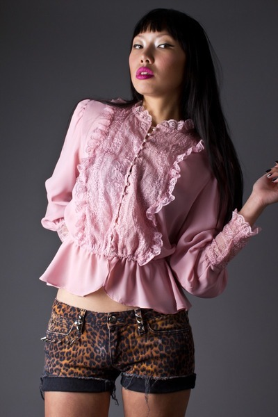 pink dusty rose lace telltale hearts vintage blouse