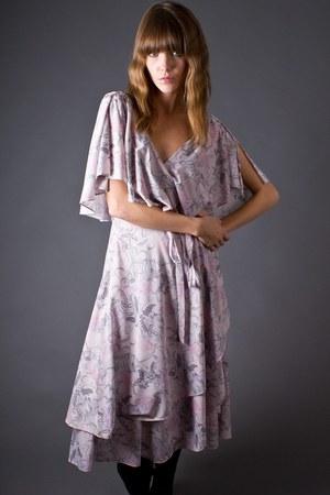 light pink telltale hearts vintage dress