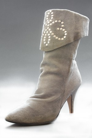 heather gray studded suede telltale hearts vintage boots