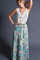 Aquamarine-telltale-hearts-vintage-skirt