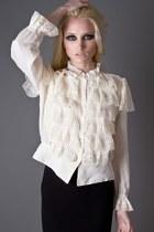 Ivory-telltale-hearts-vintage-blouse