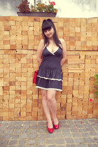 navy denim thrifted dress - red New Yorker bag - red Off-brand pumps