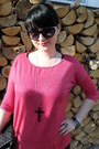 Black-mudd-jeans-hot-pink-new-yorker-shirt-black-new-yorker-glasses