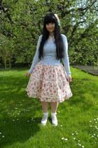light pink flowered Bodyline skirt - sky blue New Yorker shoes - white H&M socks