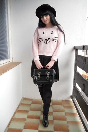 light pink new look sweater - black H&amp;M hat - black lindex tights
