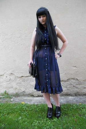 black New Yorker bag - navy yumi dress - black lindex hair accessory