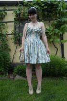silver c&a ring - sky blue Atmosphere dress - beige I am bag