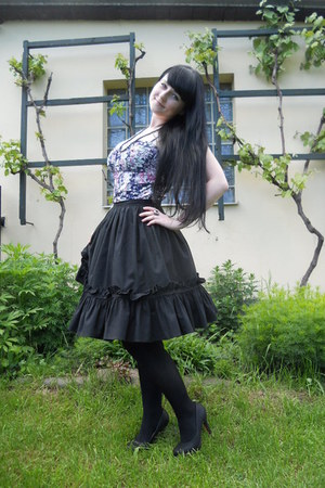 black Gate tights - black handmade skirt - amethyst bralet thrifted top