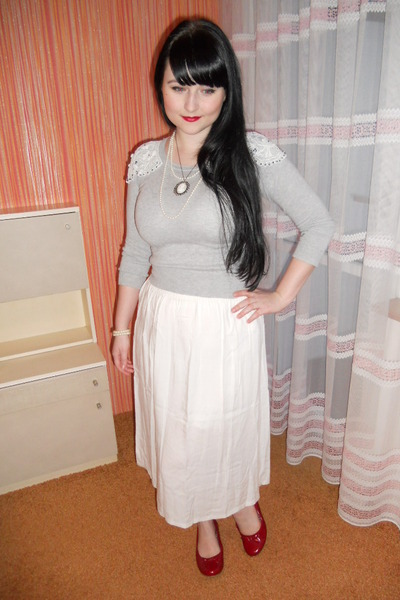 white vintage skirt - silver thrifted sweater - white handmade necklace