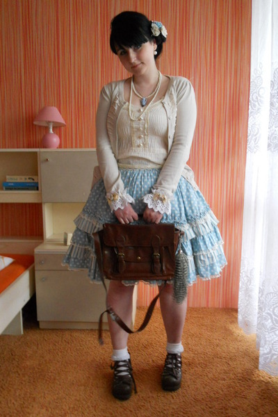 sky blue Bodyline skirt - dark brown Bodyline shoes - dark brown Gate bag