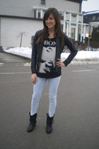 black H&M t-shirt - black Zara jacket - blue H&M leggings