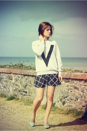 loose Ivyrevel sweatshirt - CacheCache skirt