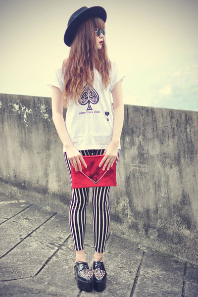 clutch Chicwish bag - platforms shoes - Oasapcom hat