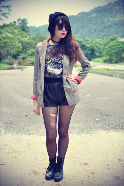 kitty top - Forever 21 boots - vintage blazer - leather shorts