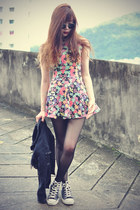 floral Chicwish dress - denim jacket - retro round Choies sunglasses