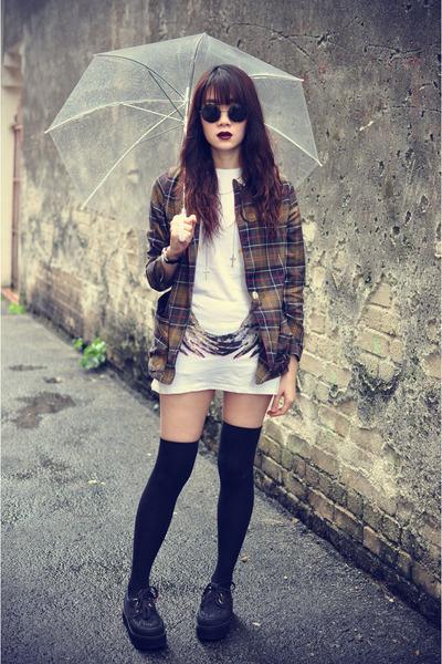 blazer - creepers shoes - t-shirt