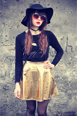 pu leather skirt - round hat - sunglasses - meow jumper