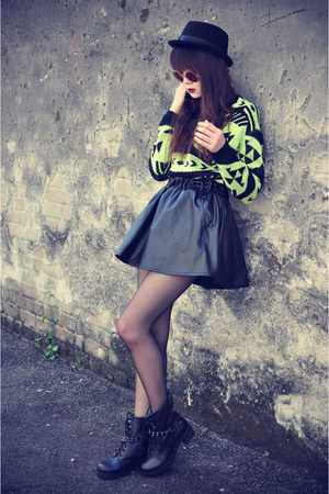 leather Choies skirt - leather boots - Forever 21 hat - knit jumper
